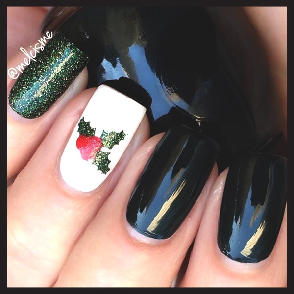 christmas-nail-art-design-ideas-black-and-mistletoe-nails-min