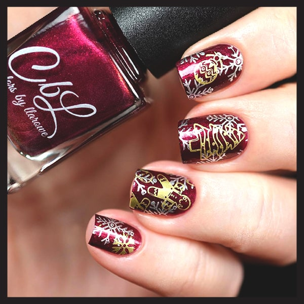 christmas-nail-art-design-ideas-burgundy-gold-ornaments-nails-min