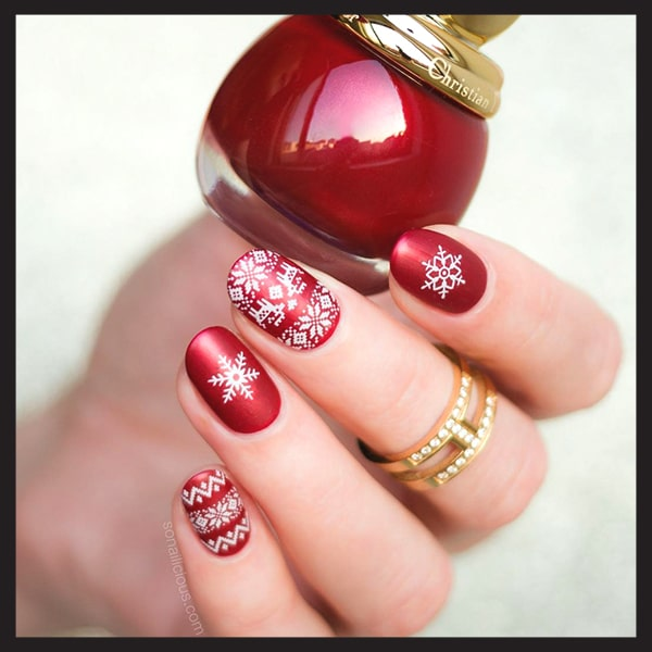 christmas-nail-art-design-ideas-red-sweater-and-snowflake-nails-min