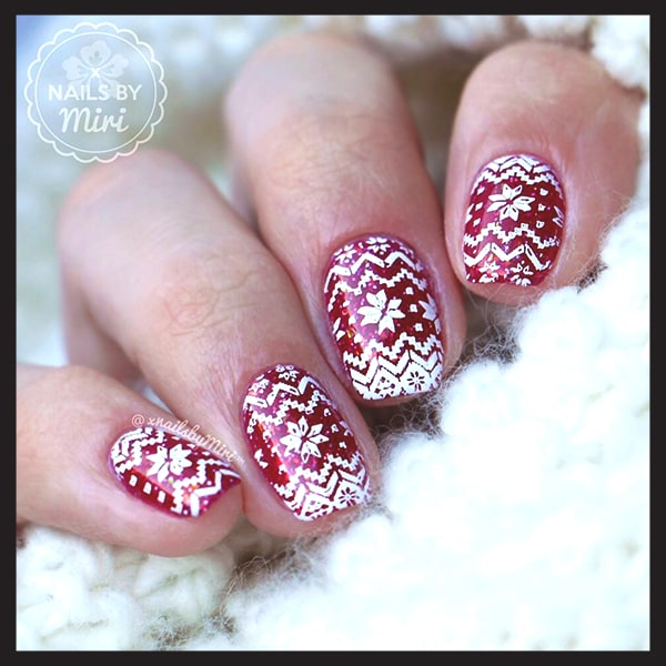 christmas-nail-art-ideas-cozy-sweater-nails-min