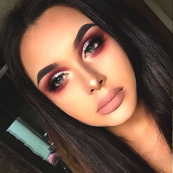 cranberry-makeup-look-for-christmas-2018-min