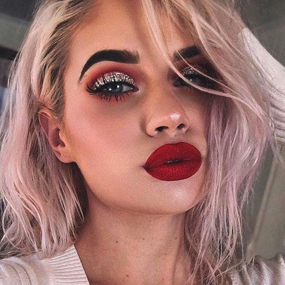 cut-crease-red-lipstick-makeup-look-min