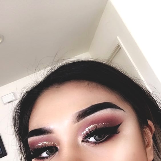 glitter-cut-crease-makeup-look-min