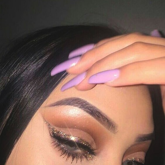 glittery-liner-eye-makeup-christmas-makeup-ideas-min