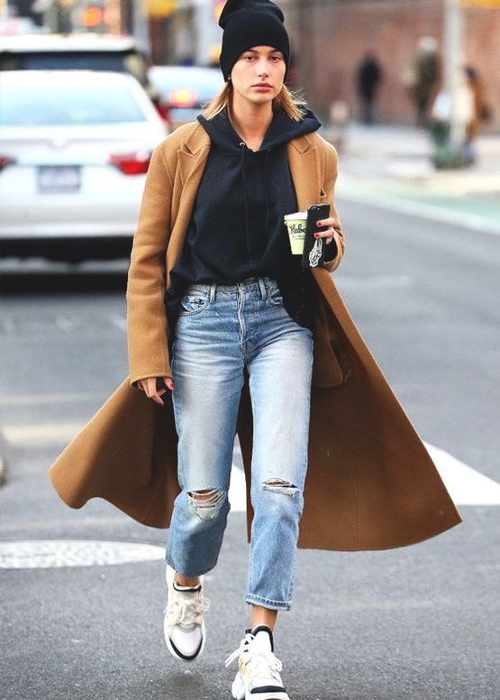 hailey-baldwin-boyfriend-jean-look