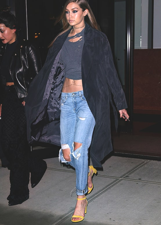 how-to-wear-boyfriend-jeans-gigi-hadid