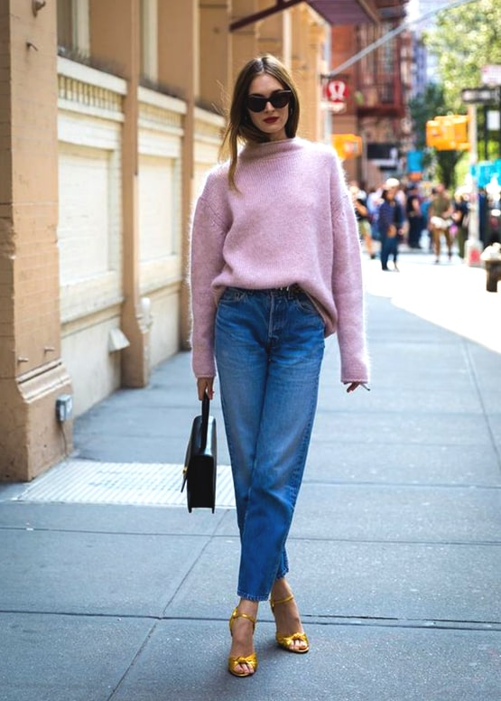 how-to-wear-boyfriend-jeans-pink-turtleneck-sweater