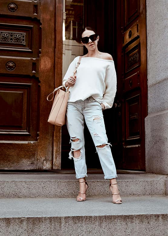 how-to-wear-boyfriend-jeans-white-off-the-shoulder-top