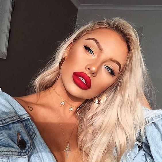red-lipstick-makeup-winged-eyeliner-look-min