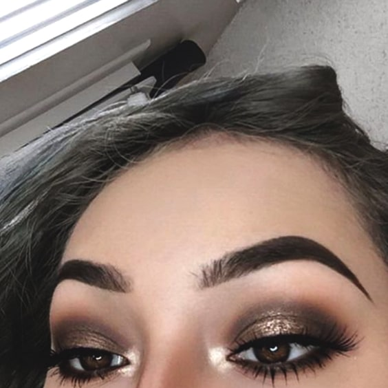 smokey-eye-makeup-for-christmas-ideas-min