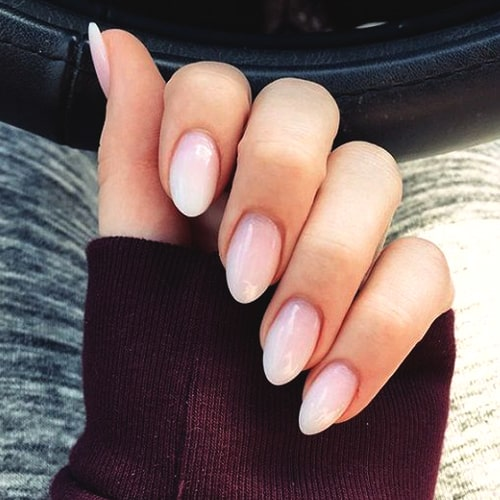 almond-nail-design-nail-art-trends-2019-min