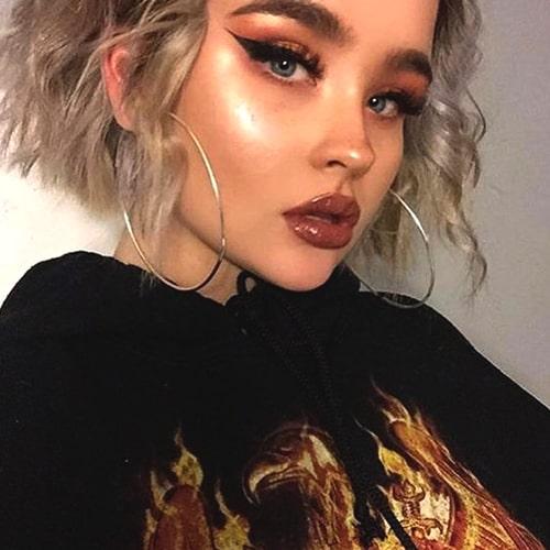 bold-lipstick-makuep-trend-2019-makeup-trends-min