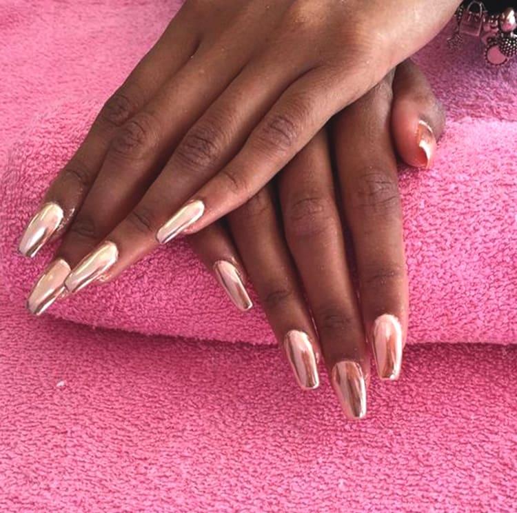 chrome-rose-gold-coffin-nail-art-min