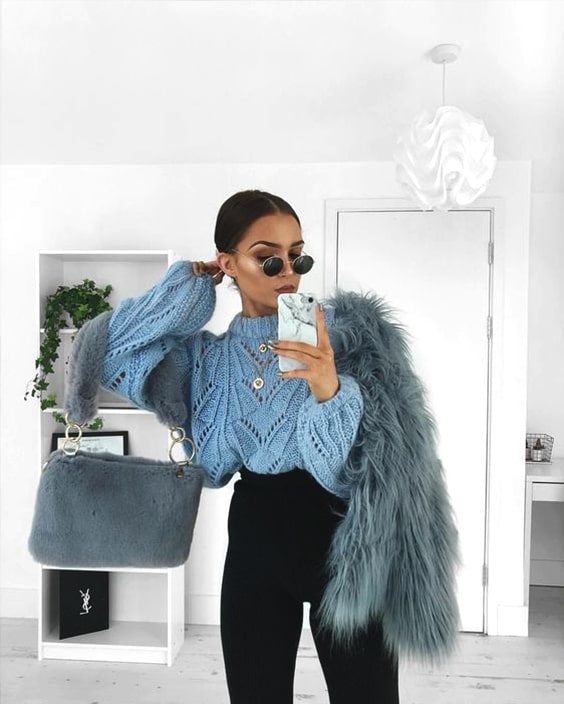 cozy-new-years-eve-outfit-ideas-bluw-faux-fur-coat-blue-pullover-outfit-min