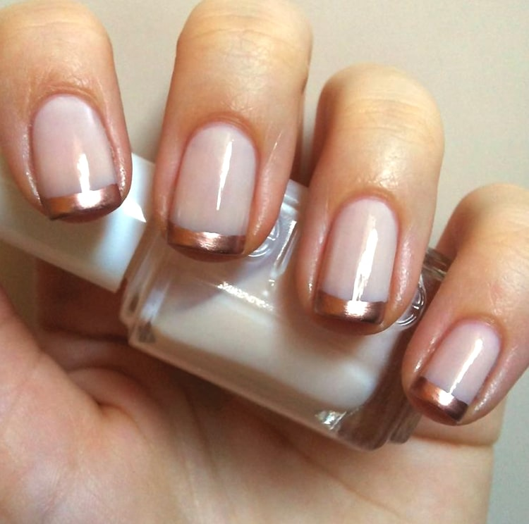 french-manicure-trend-rose-gold-nails-min