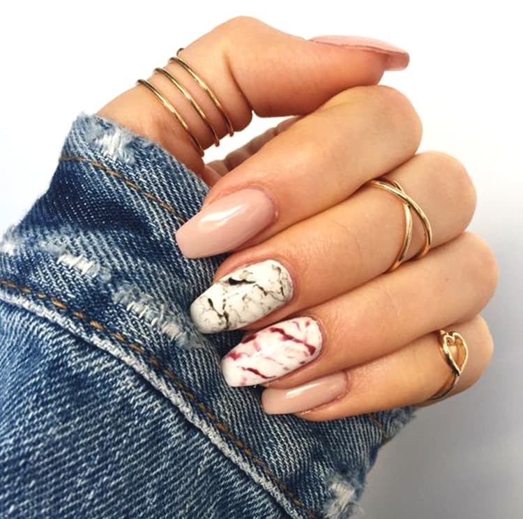 how-to-do-marble-nails-rose-gold-nail-design