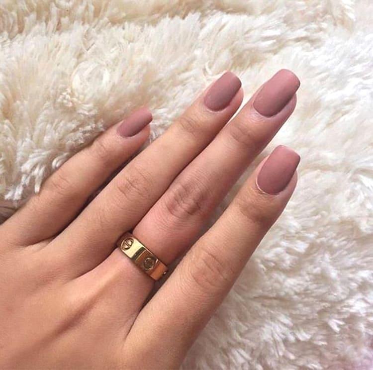 matte-rose-gold-manicure-nail-art-2019-min