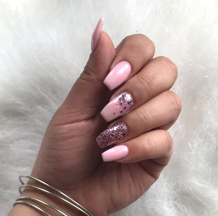 pink-colored-nail-art-design-glittery-nails-min