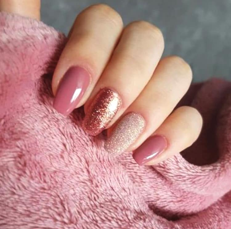 10 Elegant Rose Gold Nail Designs: 10 Elegant Rose Gold Nail Designs