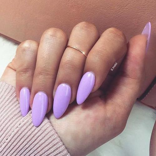 purple-nail-polish-lilac-almond-nails-min
