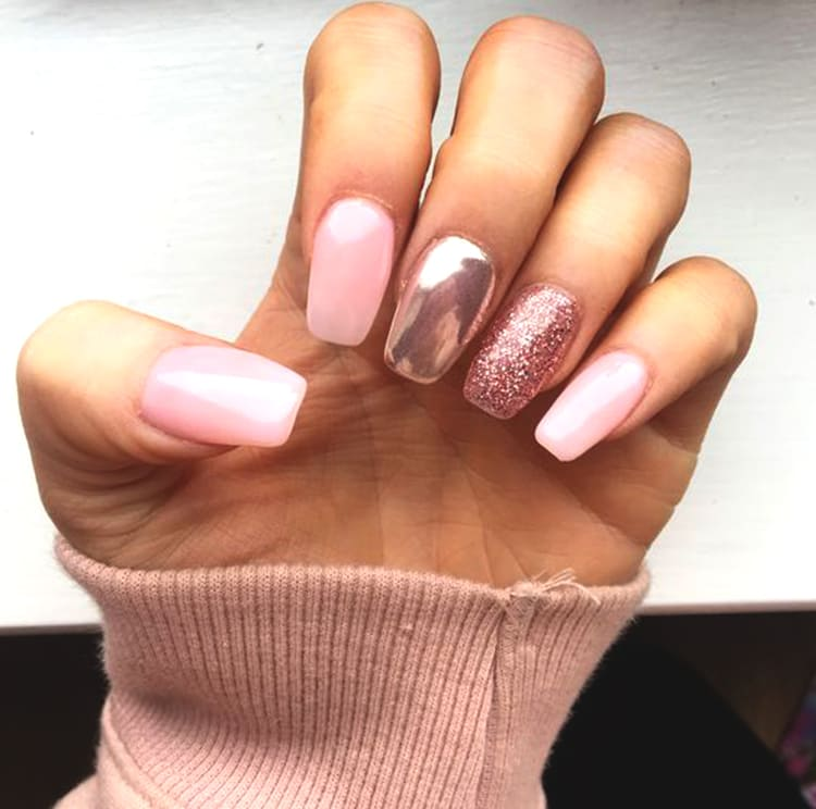 rose-gold-chrome-nail-art-design-min