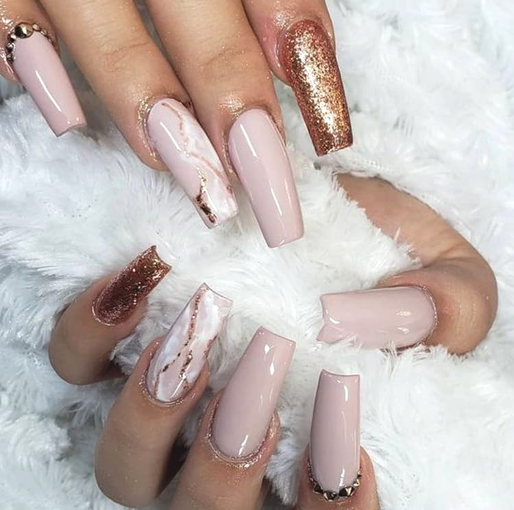 rose-gold-nail-art-design-with-golden-gems-min