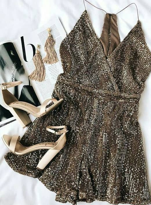 sequin-v-neck-mini-dress-new-years-eve-outfit-ideas-min (1)