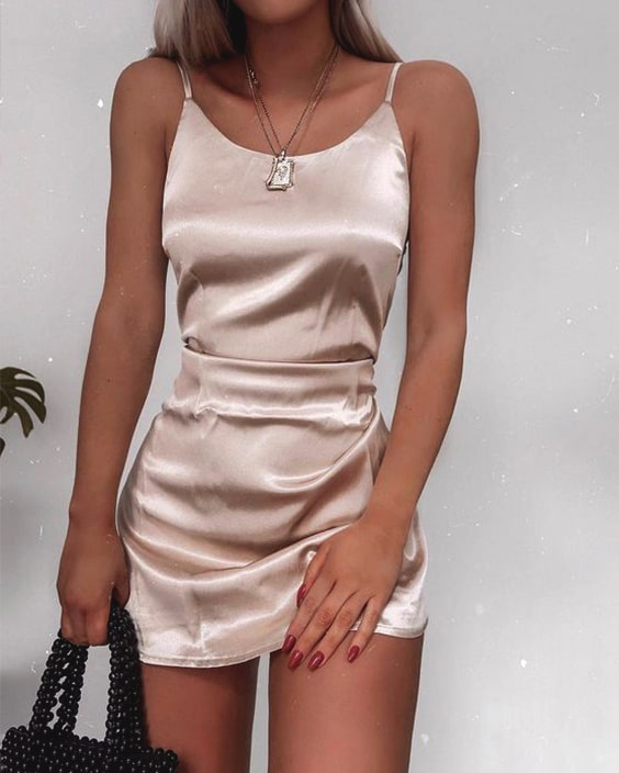 silky-slip-dress-new-years-eve-outfit-ideas-christmas-party-outfits-min
