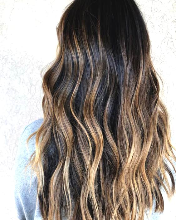 brunette-babylights-hair-color-trend-2019-min