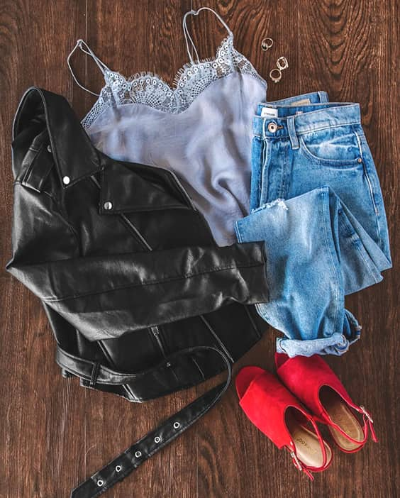 casual-valentines-day-outfit-idea-black-leather-jacket-blue-jean-min