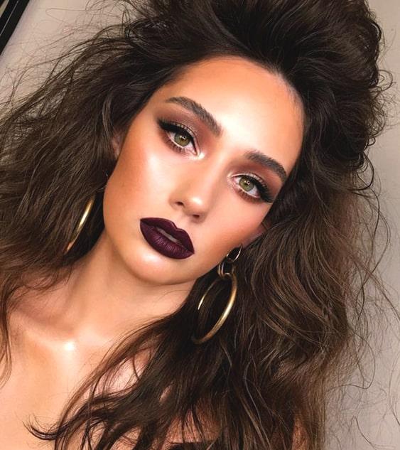 glittery-eye-shadow-makeup-bold-dark-lips-night-out-look-min