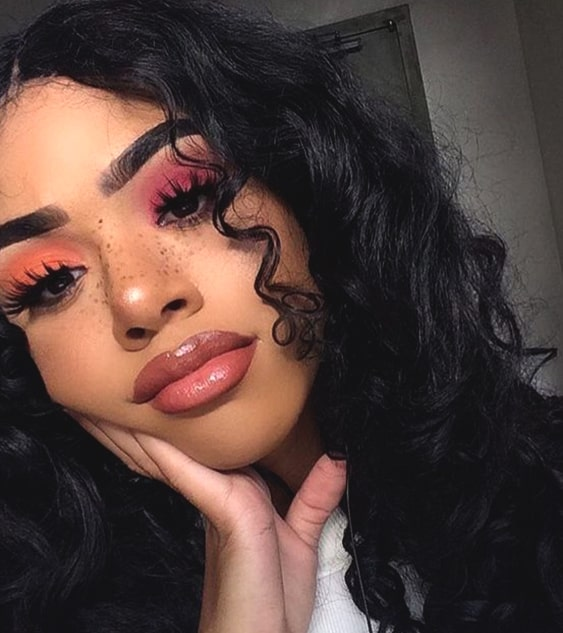 glossy-makeup-ideas-night-out-makeup-looks-min