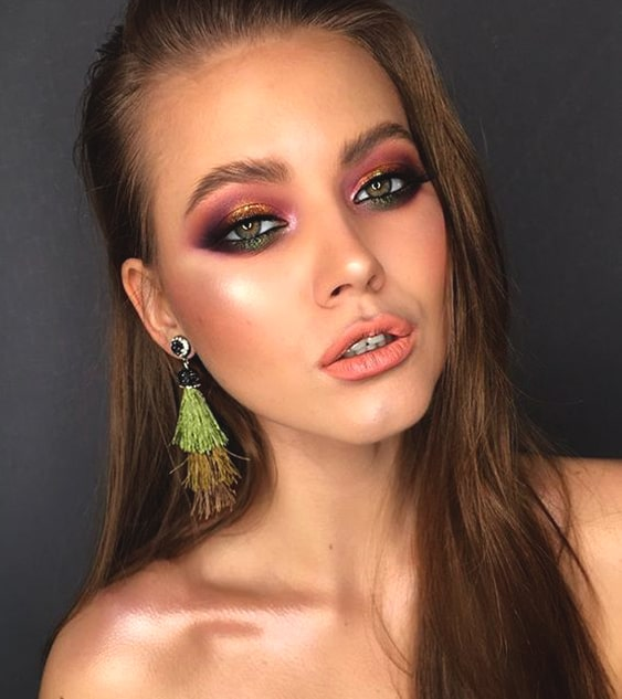 green-and-gold-eyeshadow-makeup-idea-night-out-look-min
