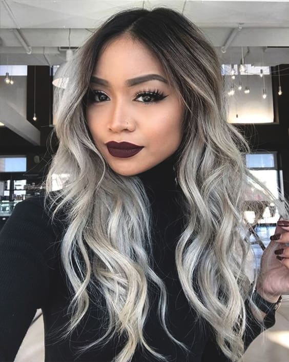 grey-wavy-hair-color-trend-2019-grey-hairs-min