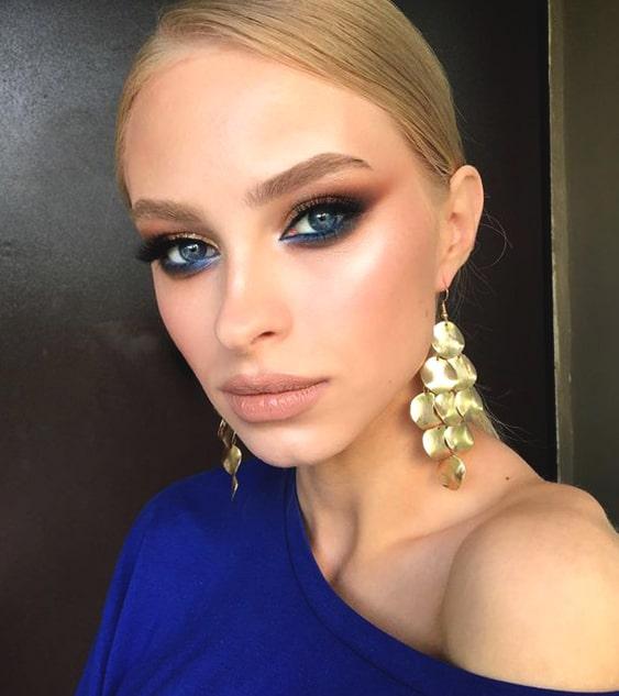 navy-blue-eye-makeup-ideas-night-out-makeup-looks-min