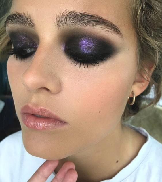 purple-glittery-eyeshadow-makeup-look-min