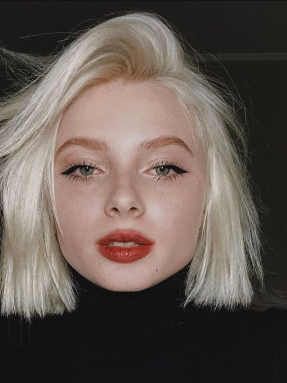 blonde-blunt-bob-haircut-look-2019-trends