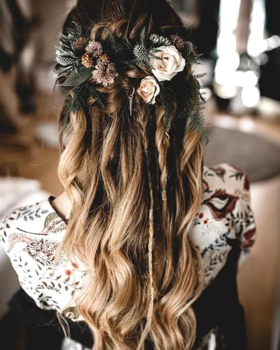 bohemian-wedding-hairstyles-hair-trends-2019-min