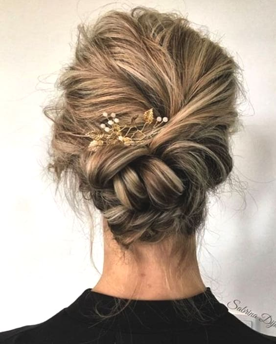 braided-messy-updo-hairstyles-bridal-2019-min