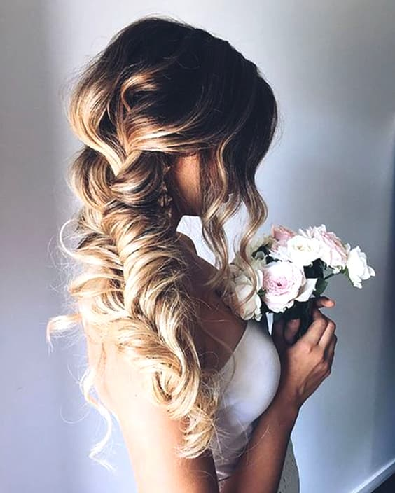 braided-side-swept-hairstyle-bridal-hair-min