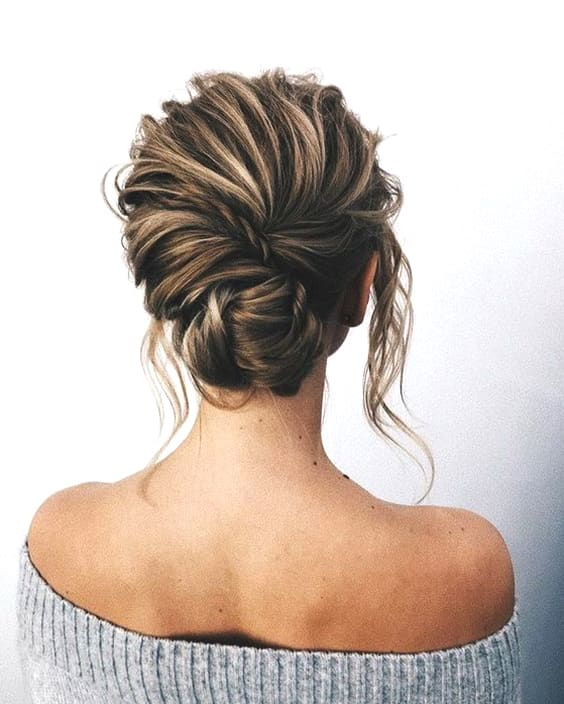 braided-updo-brida-wedding-hairstyle-min