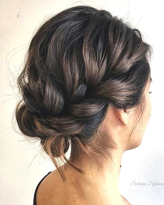 braided-updo-wedding-hairstyle-trends-min
