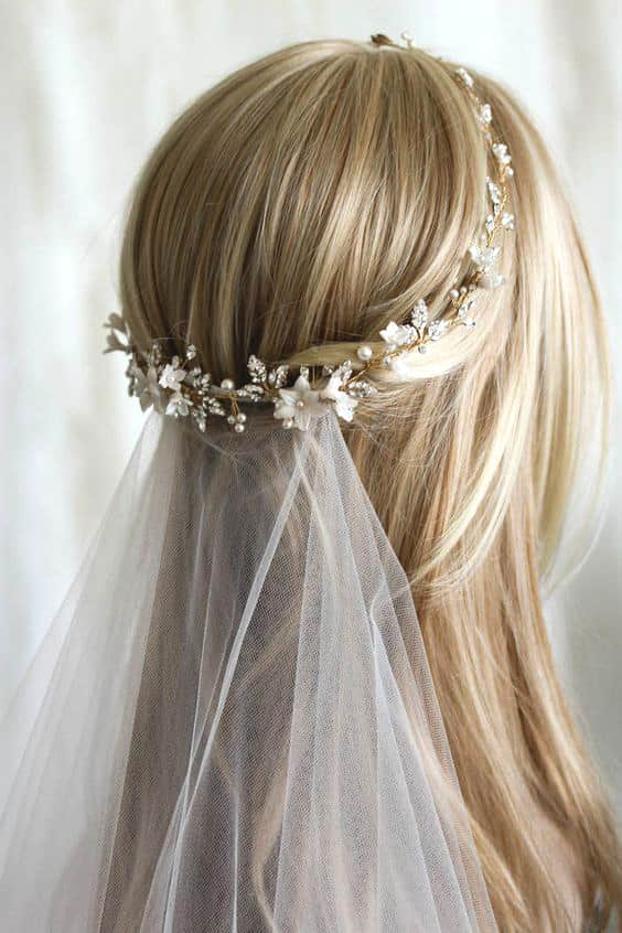 embellished-wedding-hairstyle-min