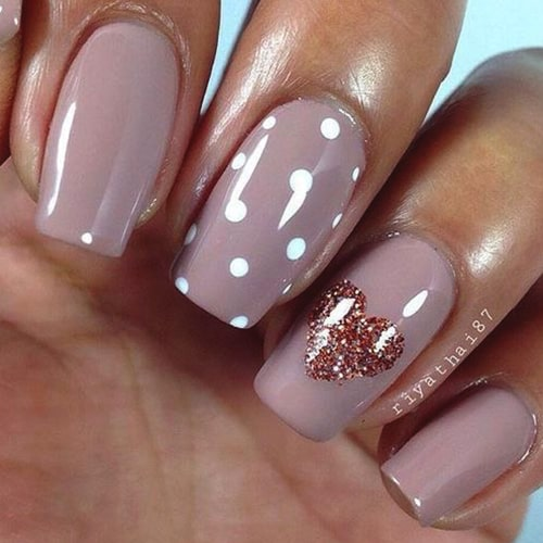glittery-heart-nail-art-valentines-day-diy-nail-ideas-min