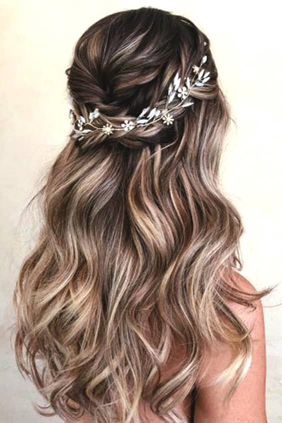 72 Romantic Wedding Hairstyle Trends in 2019 | Ecemella
