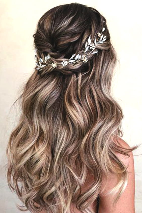 half-up-half-down-bridal-hair-min