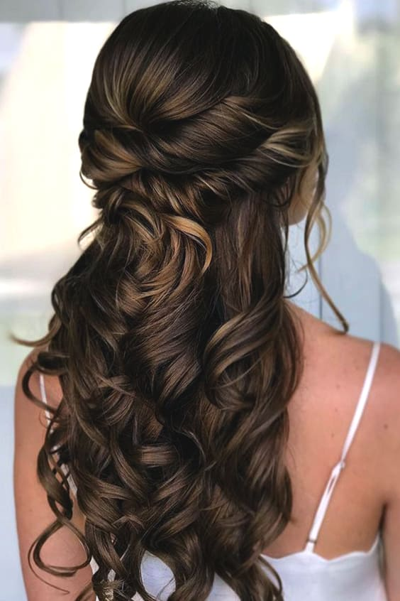 half-up-wedding-hairstyles-min