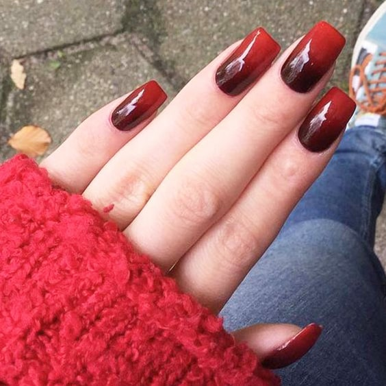 red-ombre-nail-design-valentines-day-diy-nails-min