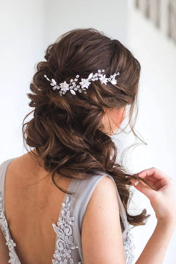 side-swept-curls-wedding-hairstyle-ideas-min