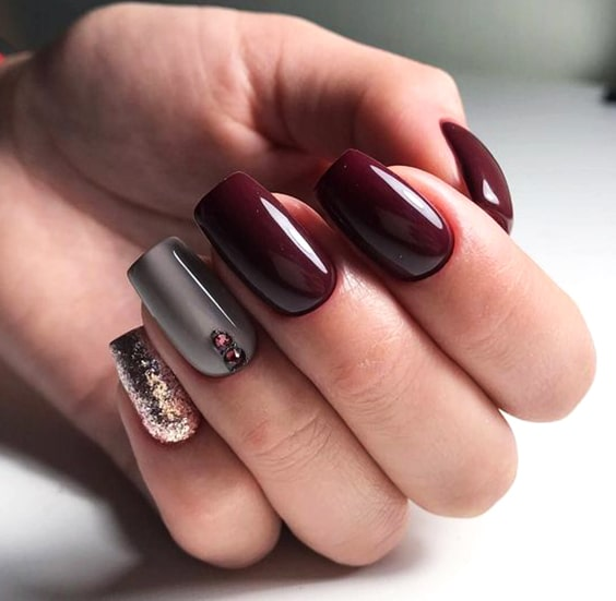 valentines-day-diy-burgundy-nail-designs-min